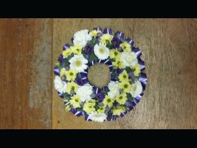 Florists choice - Mixed Wreath