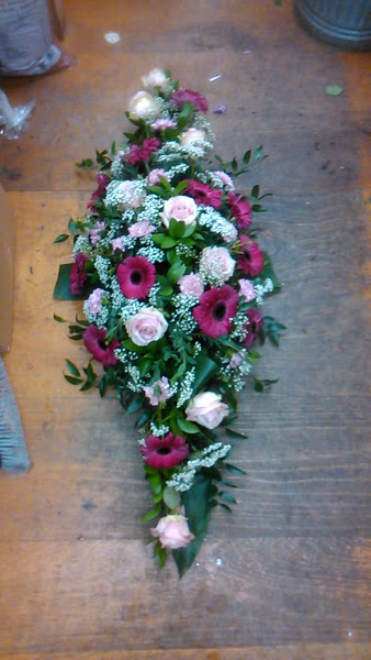 floral arrangement cottonbuds florists Northampton